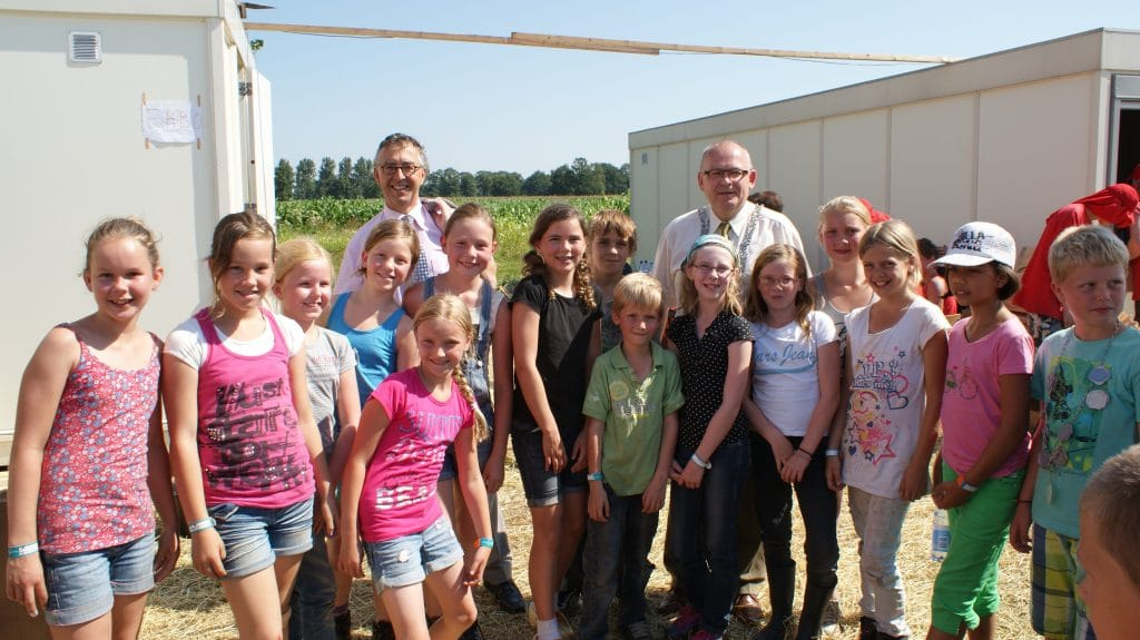 Houtdorp Rijssen, Burgemeester Hofland op bezoek.